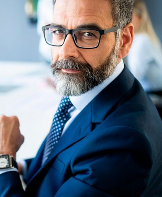 shot-of-thinking-financial-advisor-businessman-wor-6E27W5Q7